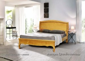 Деревянная кровать Вилора Филёнчатая