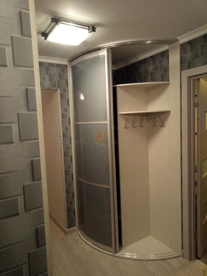радиусный шкаф по своим размерам